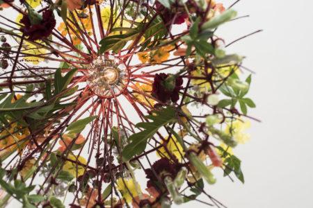 Blomstrande lampskärm yrkesbeviset